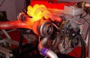 Que é a bomba de refrixeración auxiliar do motor?